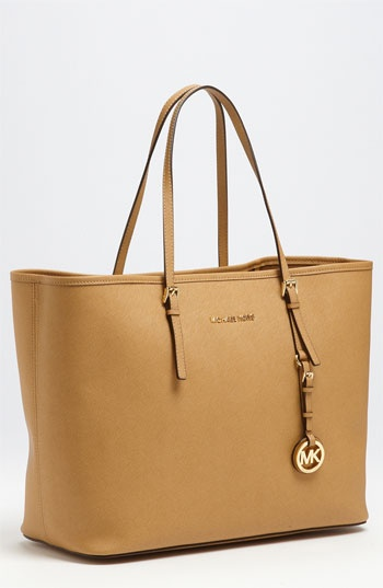 Free shipping and returns on Women's MICHAEL Michael Kors Sale Handbags & Accessories at prepmortyoq.tk